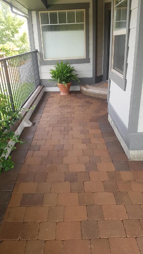 nice patio with bricks